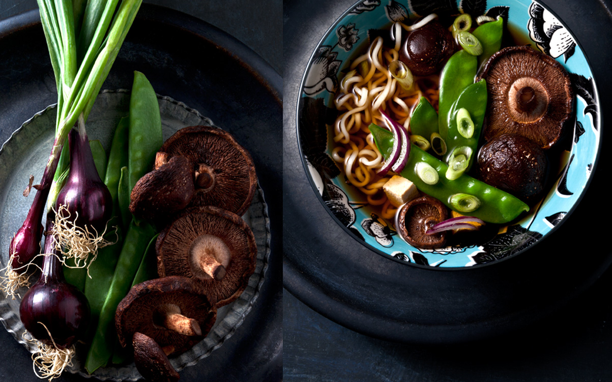 Shiitake-Pilze-in-Miso-Suppe-mit-Zuckerschoten-Frühlingszwiebeln-und-Mie-Nudeln